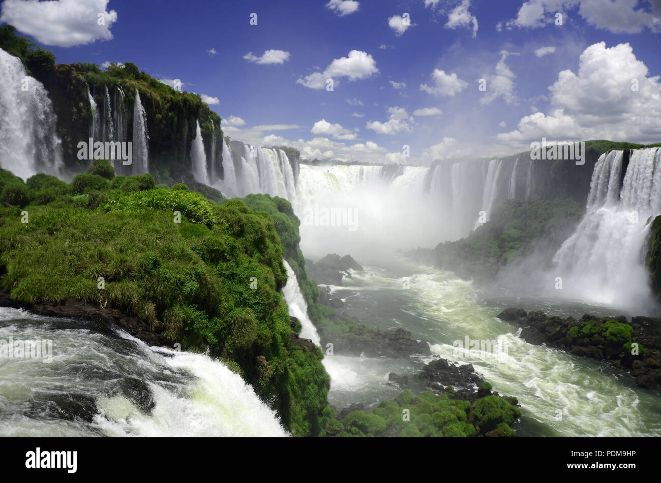 Iguacu Iguazu National Park Brazil side-staring into the Devil's Throat - Stock Image