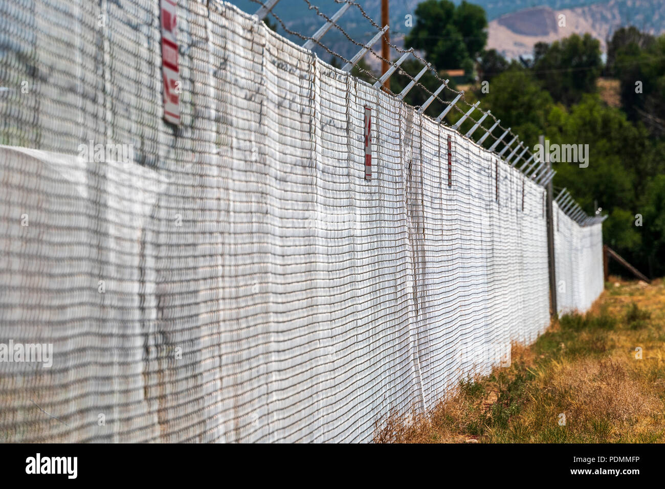 Wire Obstacle Stock Photos & Wire Obstacle Stock Images - Alamy