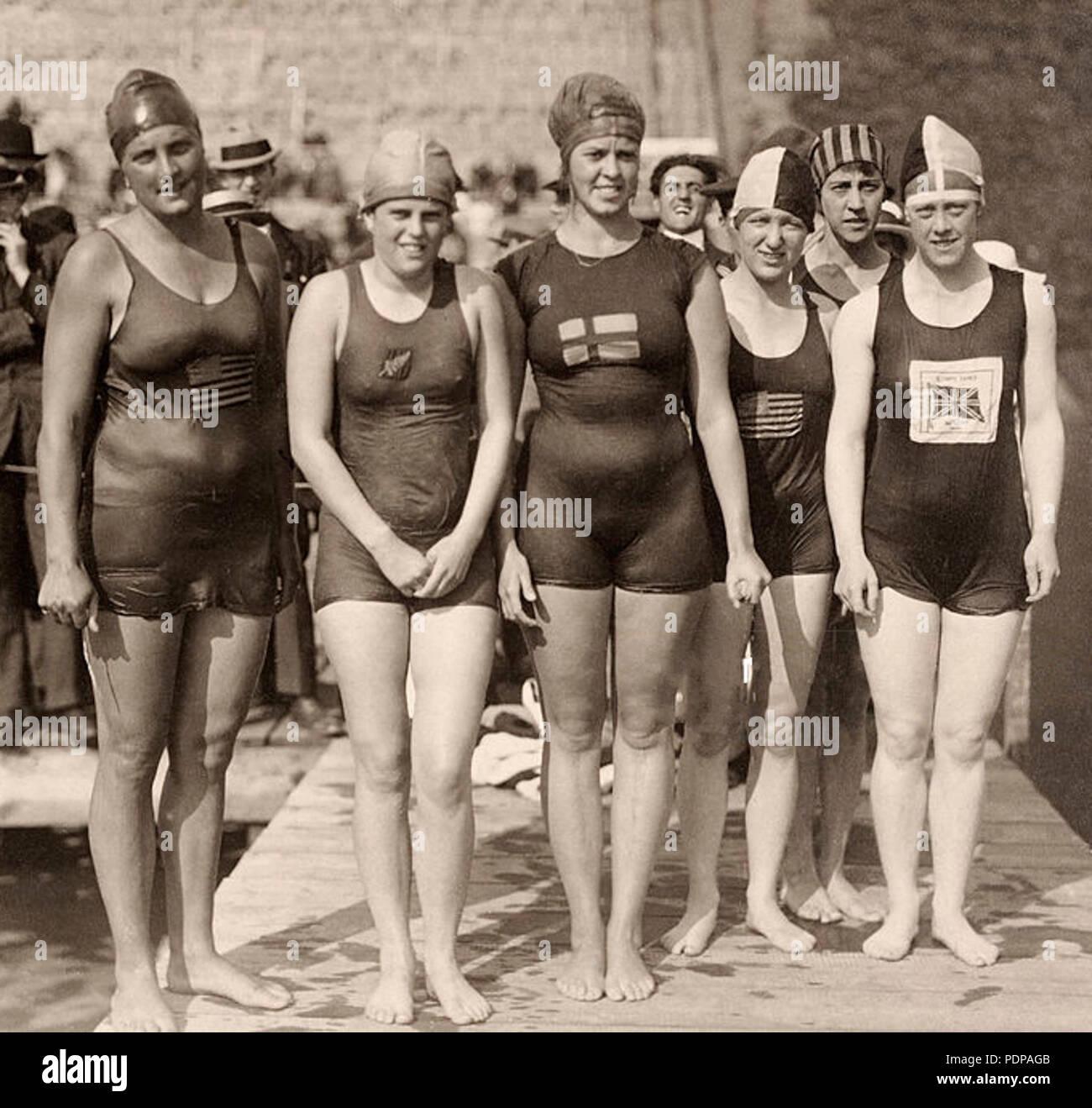 125 Ethelda Bleibtrey, Violet Walrond, Jane Gylling, Irene Guest, Frances Schroth, Constance Jeans 1920 Stock Photo