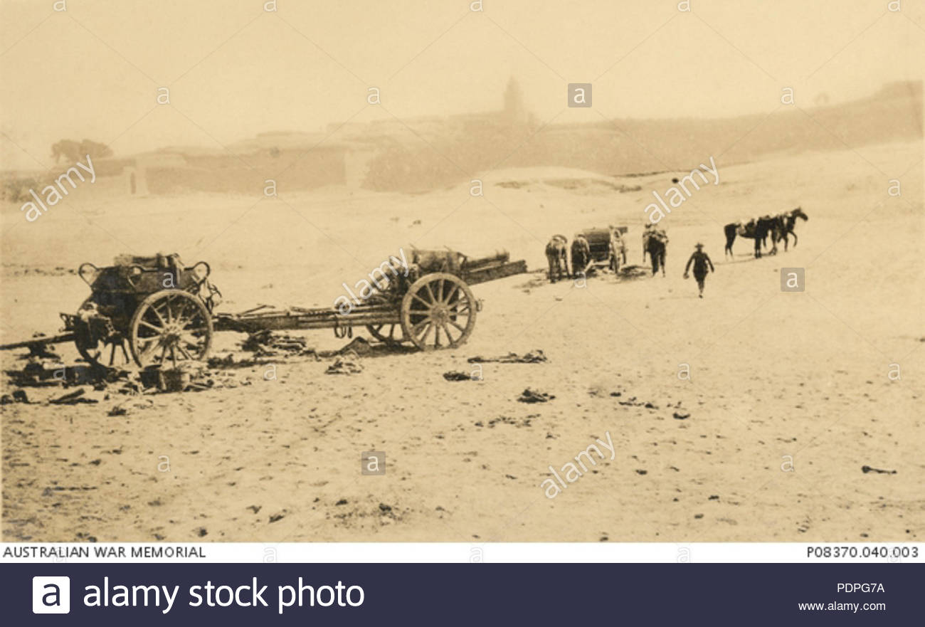 31 Captured Turkish artillery. 2 Krupp big guns captured at Huj - Stock Image