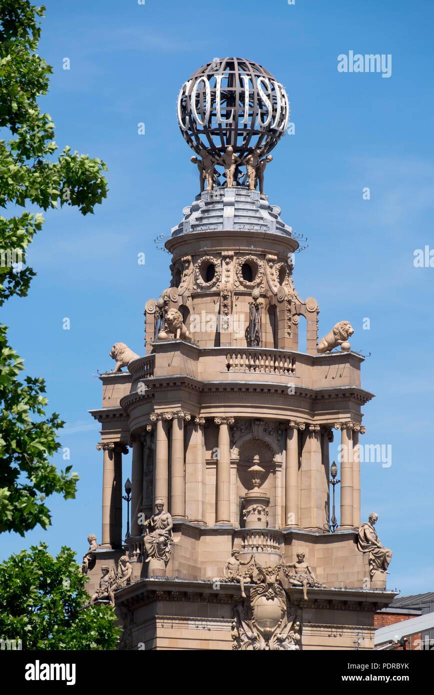 1904 nach Plänen von Frank Matcham erbaut, Turm mit Globus - Stock Image