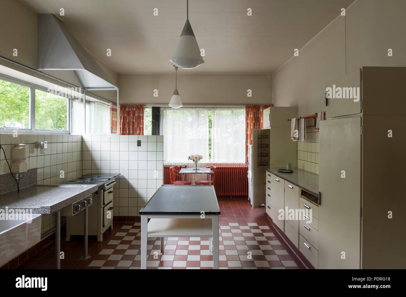 1932-1933 von Brinkman & Van der Vlugt erbaut, Küche im Erdgeschoß Stock Photo