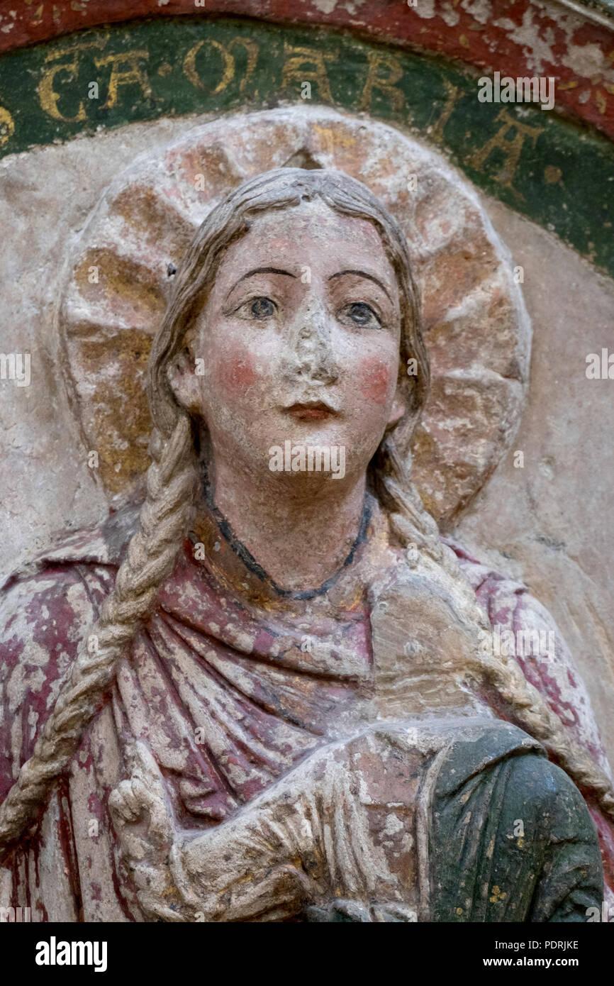 Ehem. Augustinerklosterkirche Unserer Lieben Frauen, Südliche Chorschranke um 1200/1210, Stuckrelief Maria mit Zopf Stock Photo