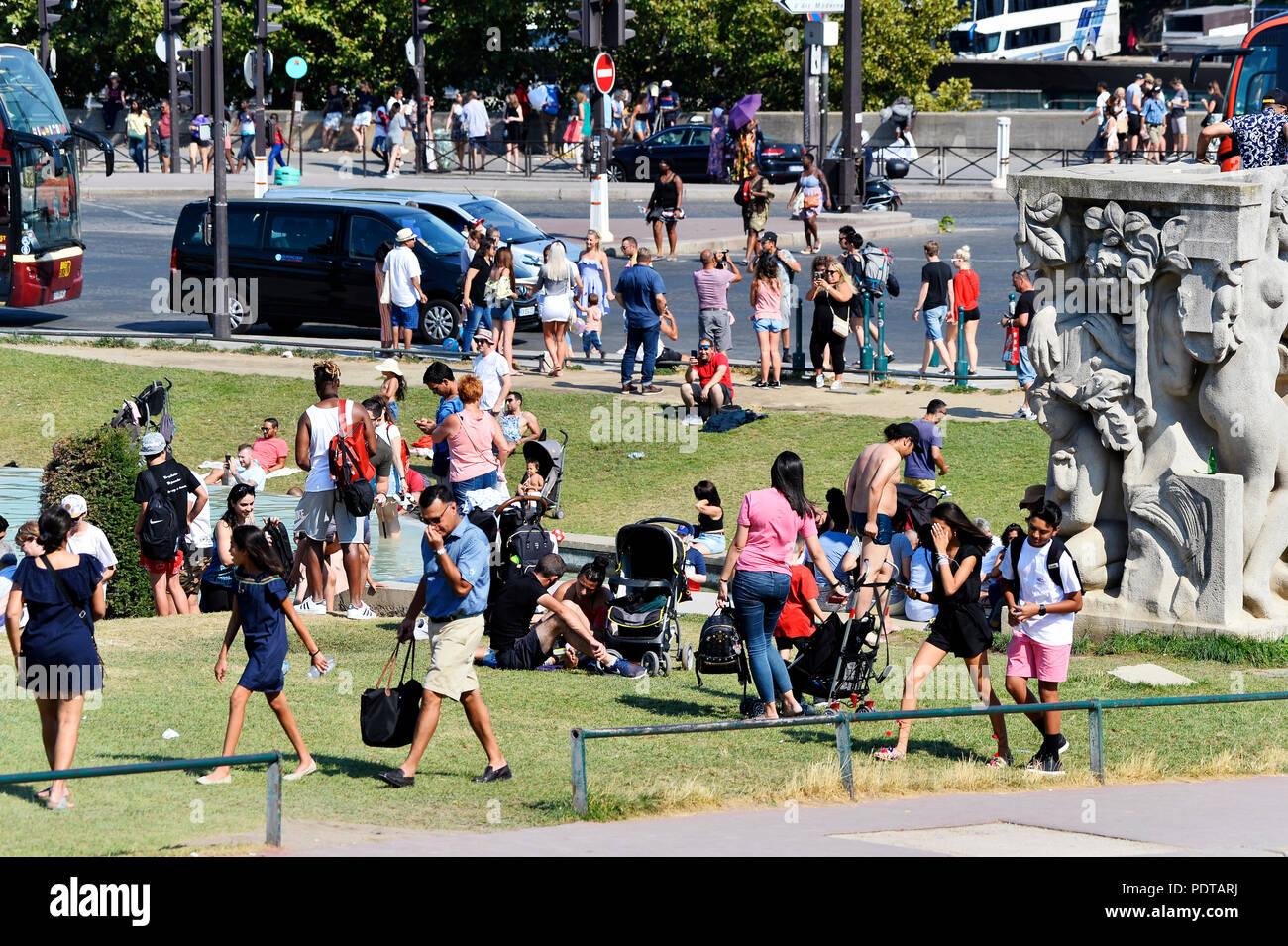 Heat wave in Paris - Trocadéro - Paris - France - Stock Image