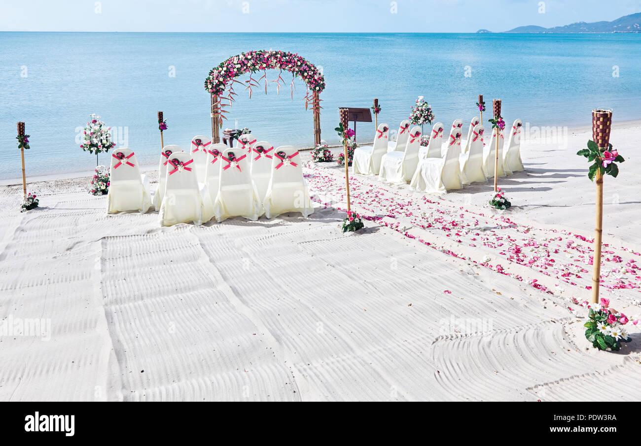 Romantic beautiful colorful wedding venue on the beach ...