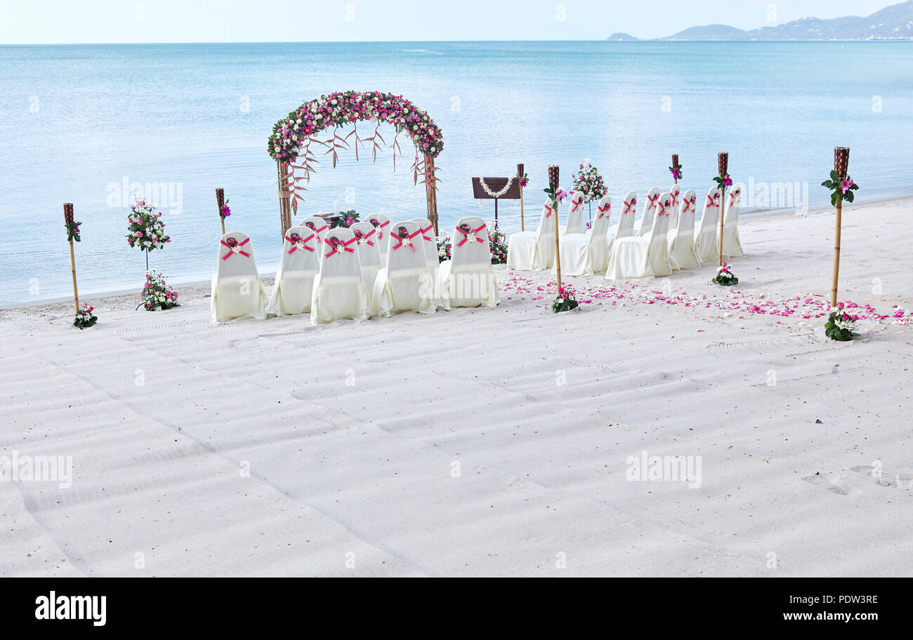 Romantic Beach Wedding Venue Settings At Seaside Decorate With A