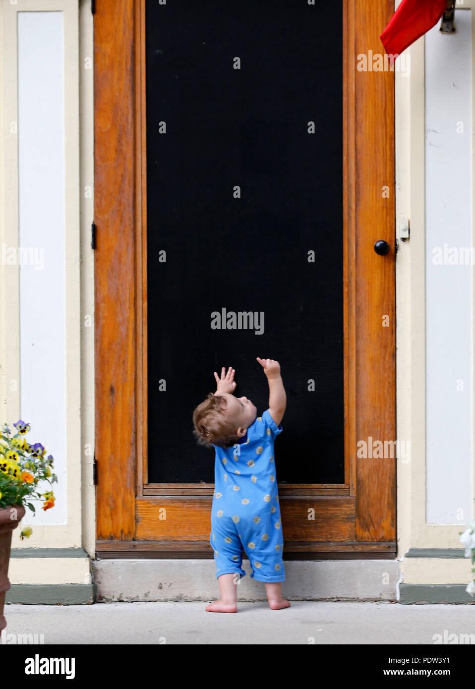 Screen Door Porch Stock Photos Screen Door Porch Stock Images Alamy