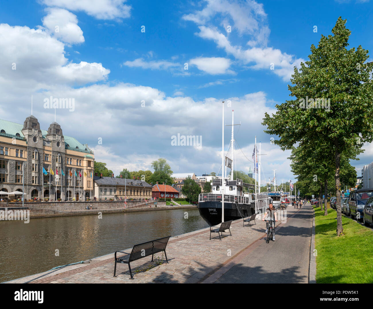 The banks of the River Aura (Aurajoki) in the historic centre, Turku, Finland - Stock Image