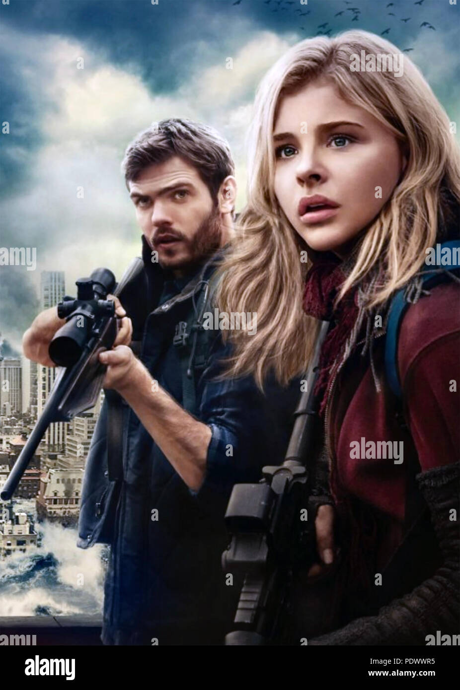 THE 5TH WAVE 2016 Columbia Pictures film with Chloe Grace Montez and Alex Rose - Stock Image