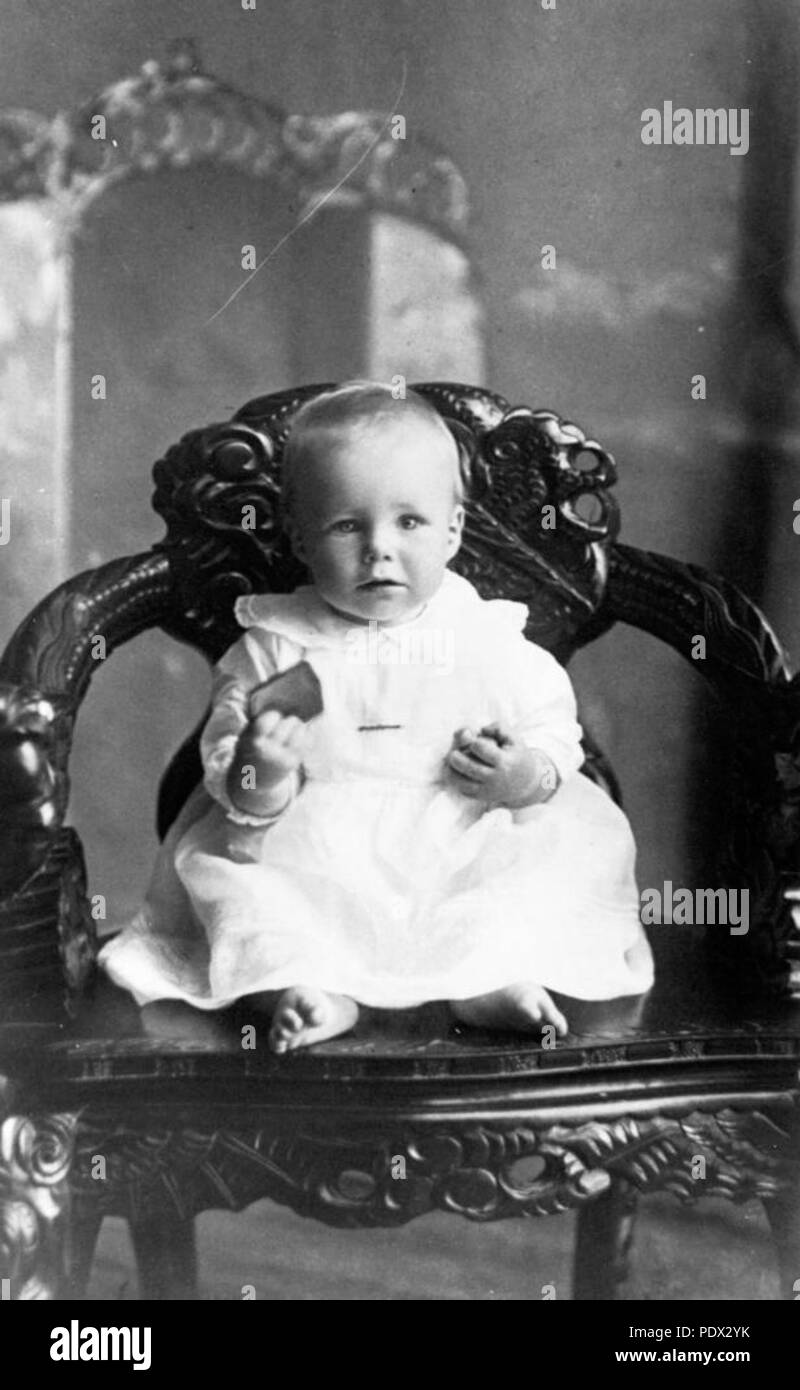 245 StateLibQld 1 185595 Baby Elsie MacDonnell - Stock Image