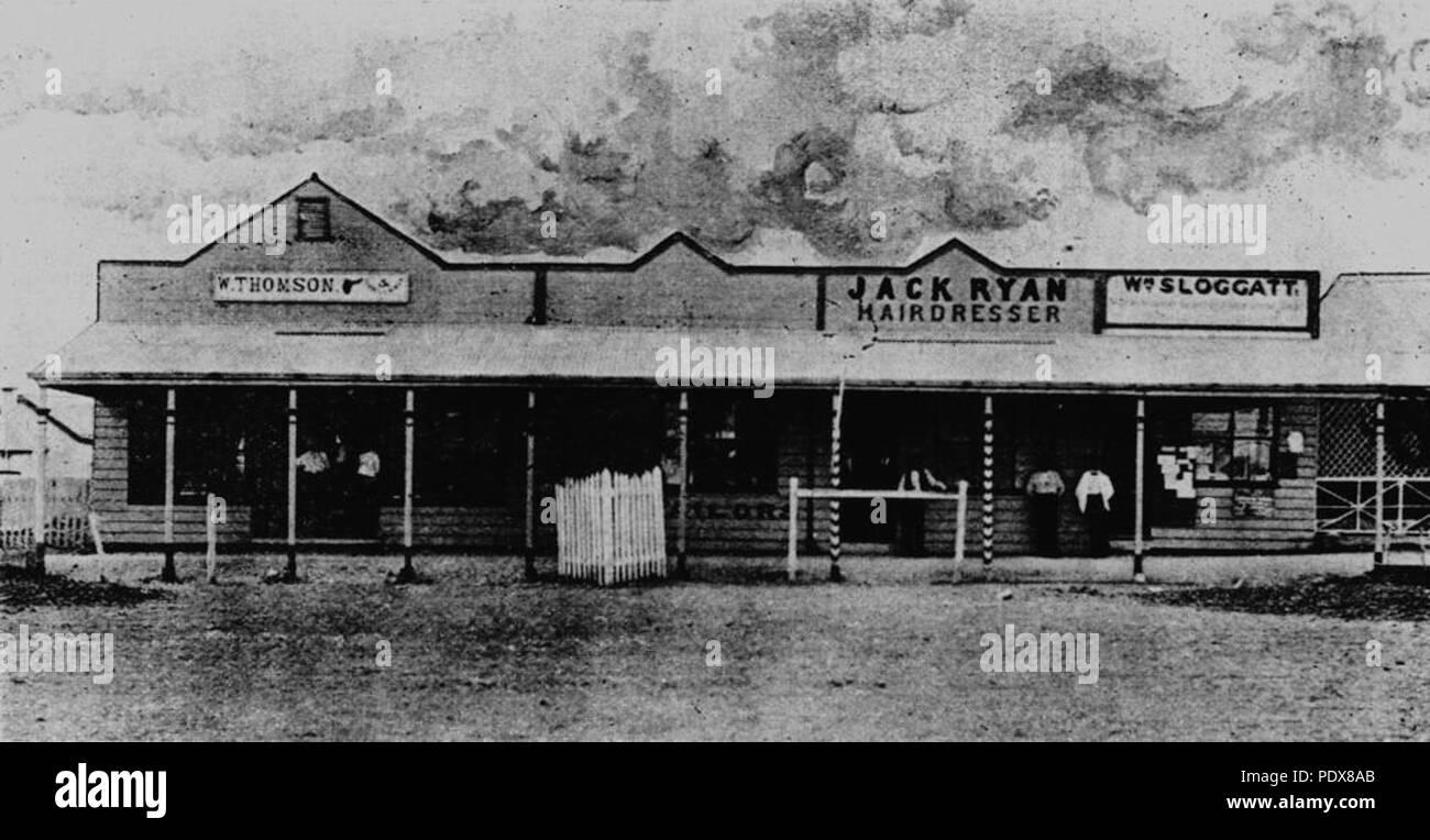 269 StateLibQld 1 53856 William Sloggart's auctioneer premises, 1898 - Stock Image