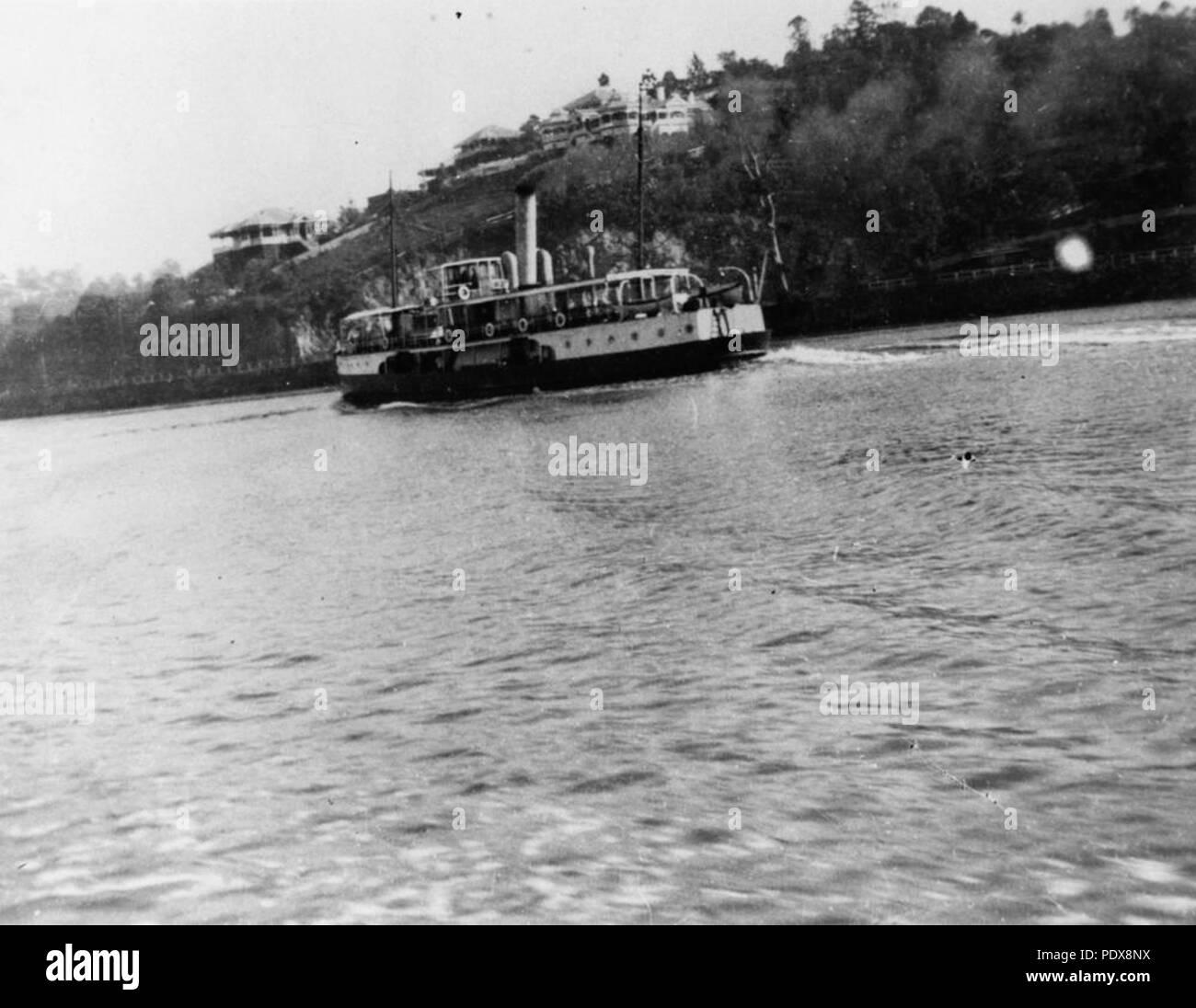 273 StateLibQld 1 80907 Steamship Emerald on Hamilton Reach