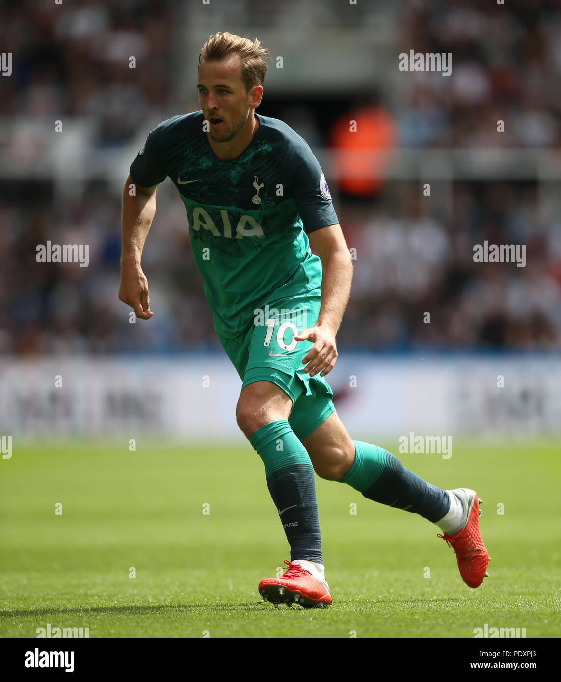 Christian Eriksen In Tottenham Hotspur V Newcastle United: Usages Stock Photos & Usages Stock Images