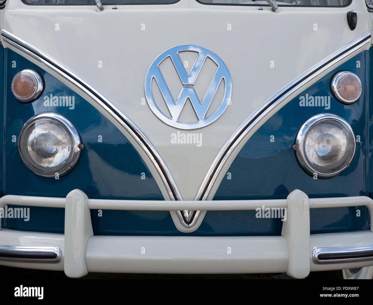 1965 VW T1 21 window micro bus Samba - Stock Image