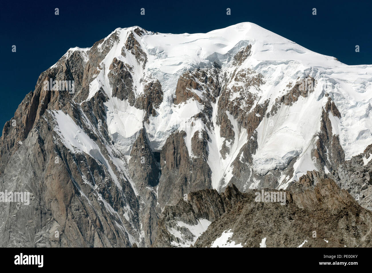 The Mont Blanc (Monte Bianco) massif in Aosta Valley, Alpes of Italy, in a summer morning. - Stock Image
