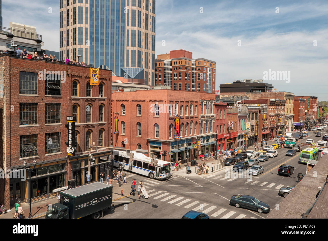 Aerial view of Broadway entertainment district with rooftop bars, restaurants and entertainment venues for live music, Nashville, TN, USA - Stock Image