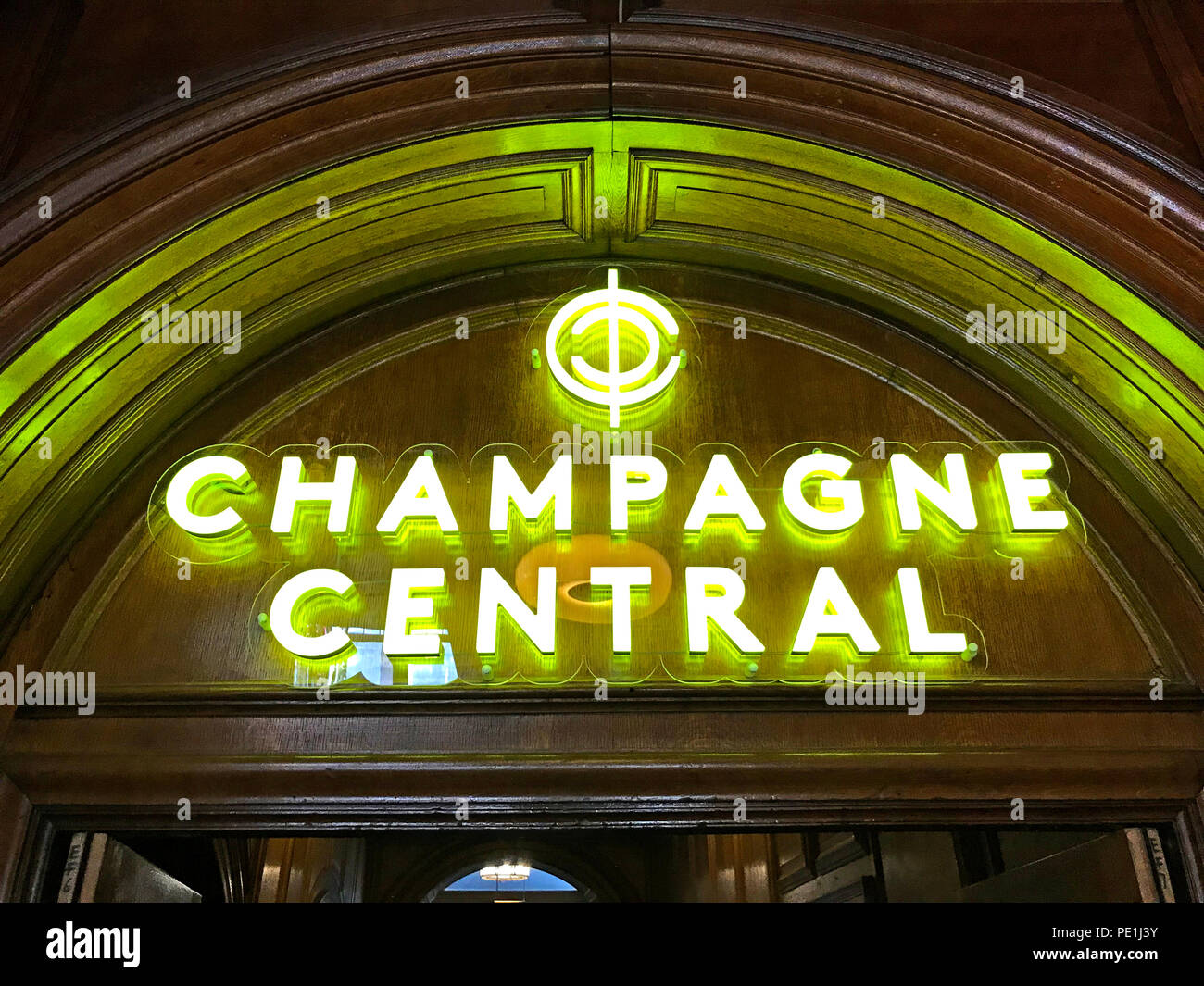 Champagne Central,Central station, Glasgow, Gordon St, Gordon Street,Scotland,pub,bar - Stock Image