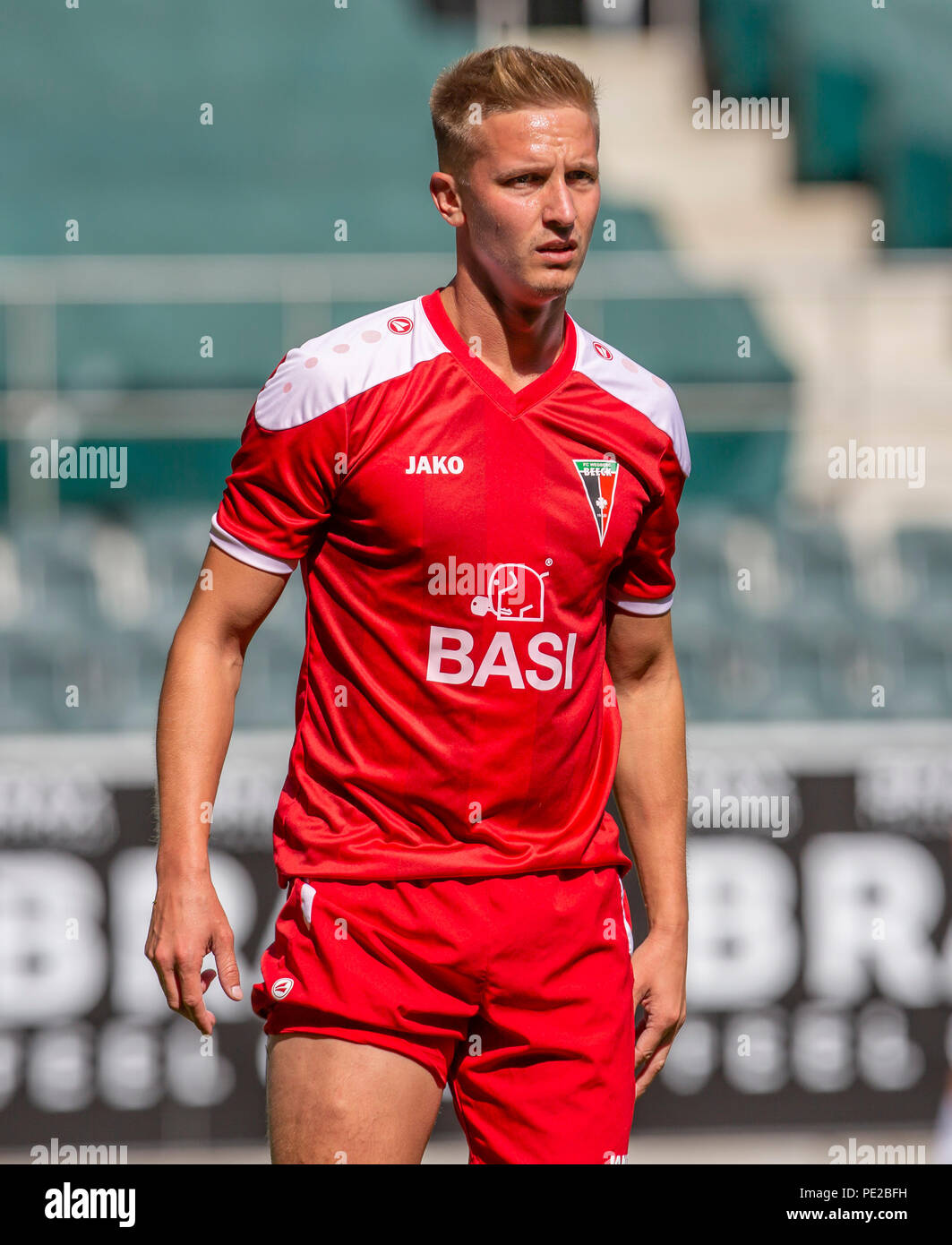 Moenchengladbach, Germany August 12 2018, friendly match, Borussia Moenchengladbach vs FC Wegberg-Beeck: Sascha Tobor (Wegberg) schaut.                Credit: Juergen Schwarz/Alamy Live News - Stock Image
