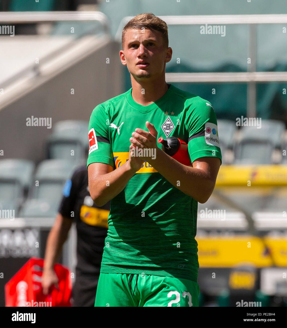 Moenchengladbach, Germany August 12 2018, friendly match, Borussia Moenchengladbach vs FC Wegberg-Beeck: Mickael Cuisance (BMG) schaut.                Credit: Juergen Schwarz/Alamy Live News - Stock Image