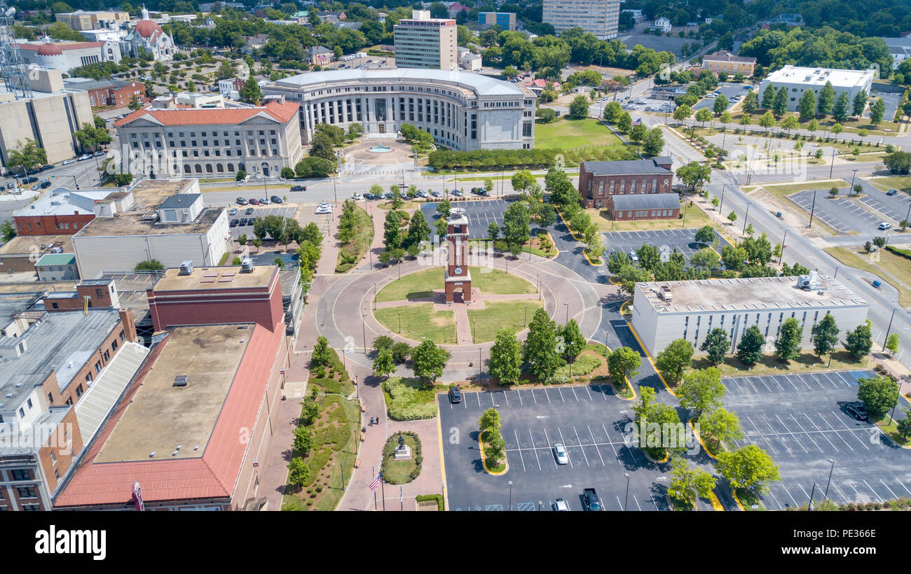 Edwards Bell Tower and the academic quad, Birmingham–Southern College or BSC, Birmingham, AL, USA - Stock Image