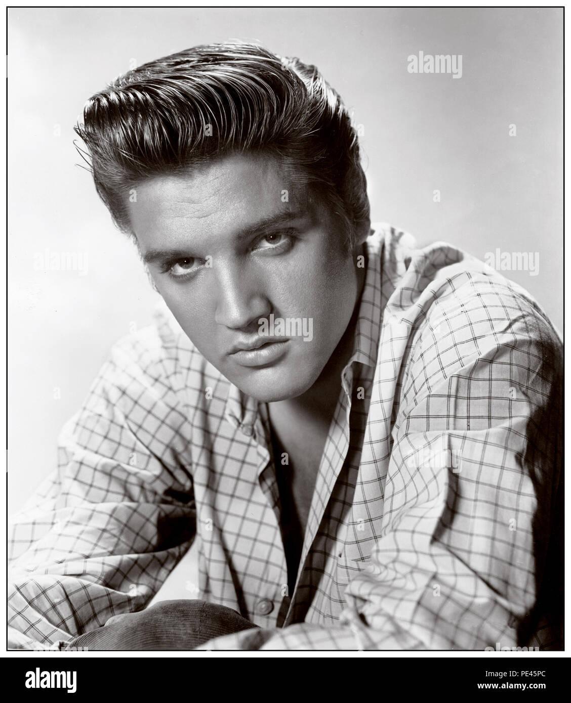 ELVIS PRESLEY '50's Vintage 1950's Hollywood studio press portrait of a brooding Elvis Presley - Stock Image