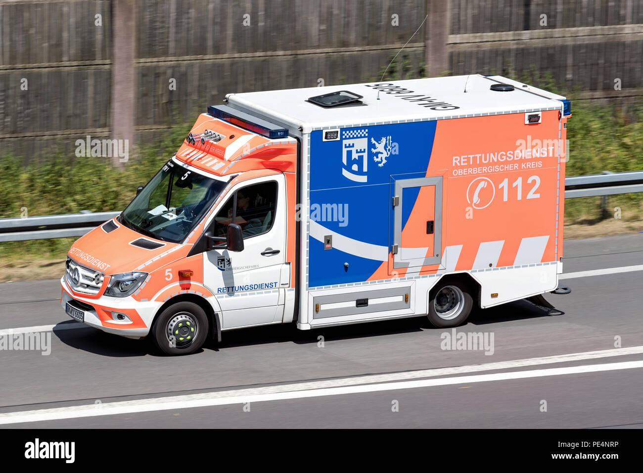 7784fbc4dfa4fb Mercedes Benz Emergency Ambulance Stock Photos   Mercedes Benz ...