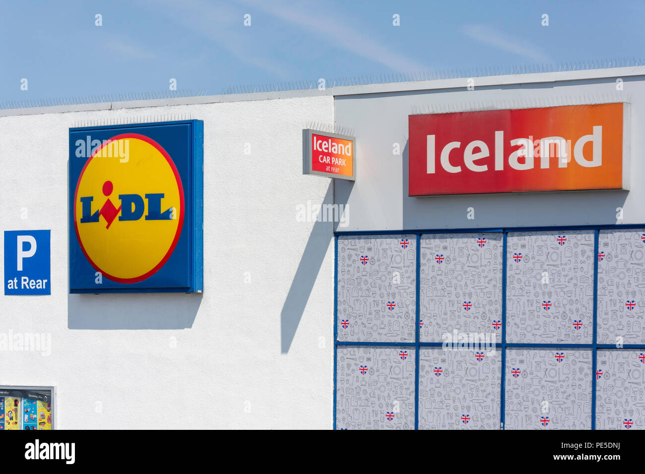 Lidl and Iceland supermarket signs, Heathway, Dagenham, London Borough of Barking and Dagenham, Greater London, England, United Kingdom - Stock Image