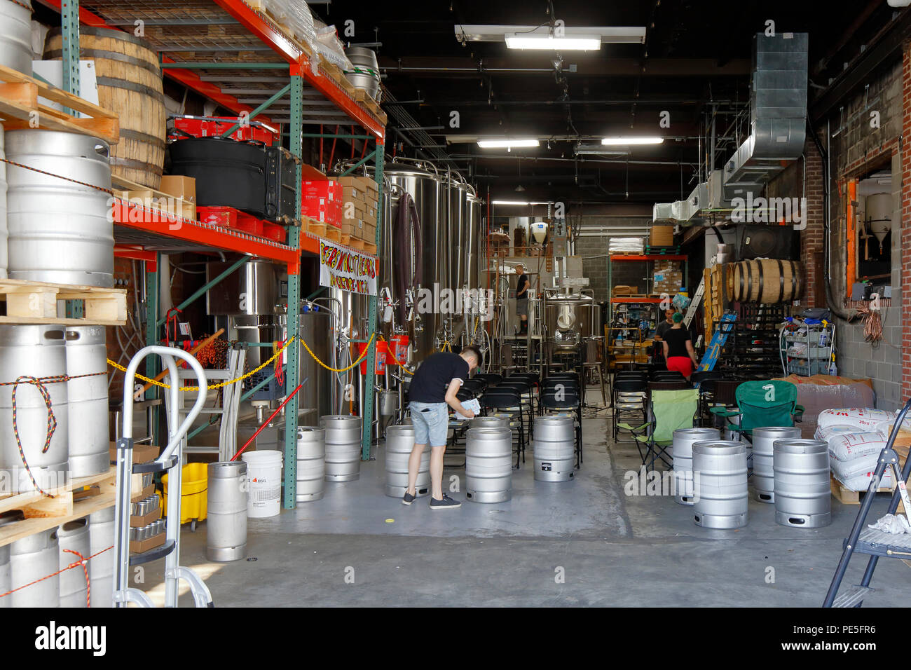 Brewery operations at Fifth Hammer Brewing Company,  10-28 46th Ave, Long Island City, NY - Stock Image