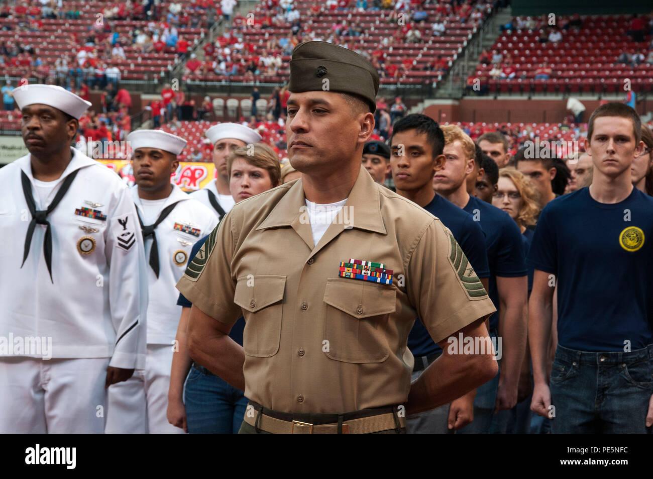 150926-N-II118-033 ST  LOUIS (Sept  26, 2015) – Master Sgt
