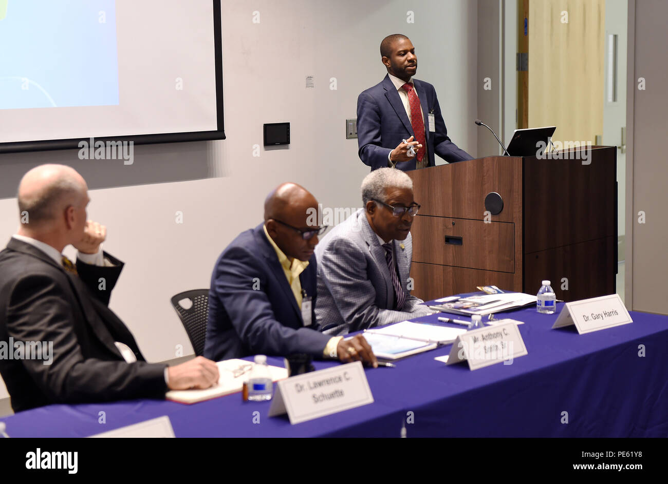 151006-N-PO203-033 WASHINGTON  (Oct. 6, 2015) Dr. Ivory Toldson, acting director, White House Initiative on Historically Black Colleges and Universities (HBCU), offers remarks during the Department of the Navy's HBCU and Minority Institution program Opportunity Awareness Workshop held at Howard University in Washington, D.C. The purpose of the workshop is to make faculty and students aware of internships, scholarships and other funding opportunities through the Navy and the Office of Naval Research. (U.S. Navy photo by John F. Williams/Released) - Stock Image