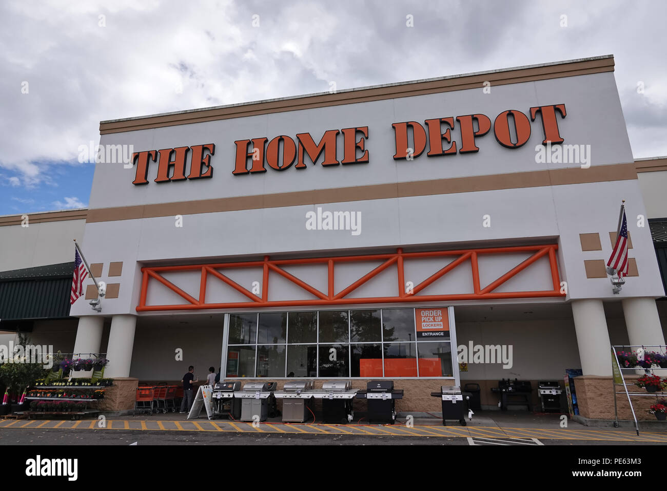 Home Depot Store Warehouse Stock Photos Trailer Wiring The In Bellevue Wa Usa August 2018
