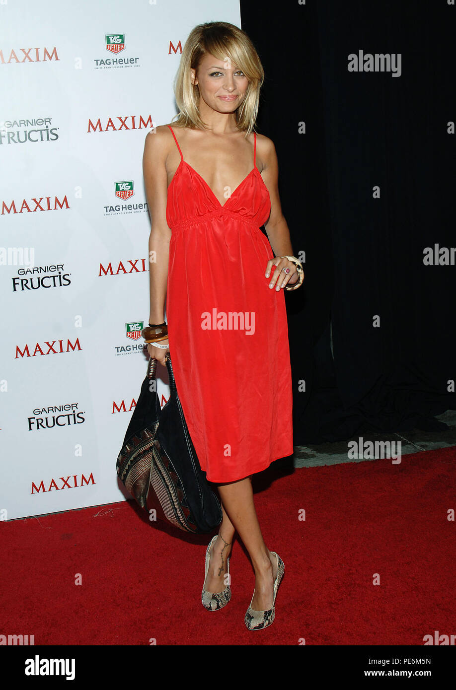 Nicole Richie arriving at the Maxim Magazine 100 List of the hottest women party in Los Angeles. May 12, 2005.  06_RichieNicole021 Red Carpet Event, Vertical, USA, Film Industry, Celebrities,  Photography, Bestof, Arts Culture and Entertainment, Topix Celebrities fashion /  Vertical, Best of, Event in Hollywood Life - California,  Red Carpet and backstage, USA, Film Industry, Celebrities,  movie celebrities, TV celebrities, Music celebrities, Photography, Bestof, Arts Culture and Entertainment,  Topix, vertical, one person,, from the year , 2005, inquiry tsuni@Gamma-USA.com Fashion - Full Leng - Stock Image