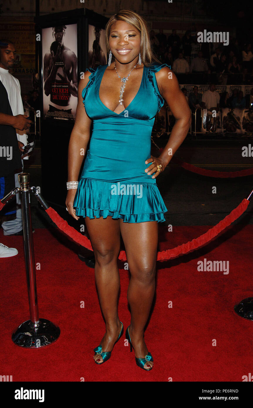 Seerna Williams arriving at the GET RICH OR DIE TRYING Premiere at the Chinese Theatre in Los Angeles. November 2, 2005.21_WilliamsSerena060 Red Carpet Event, Vertical, USA, Film Industry, Celebrities,  Photography, Bestof, Arts Culture and Entertainment, Topix Celebrities fashion /  Vertical, Best of, Event in Hollywood Life - California,  Red Carpet and backstage, USA, Film Industry, Celebrities,  movie celebrities, TV celebrities, Music celebrities, Photography, Bestof, Arts Culture and Entertainment,  Topix, vertical, one person,, from the year , 2005, inquiry tsuni@Gamma-USA.com Fashion - - Stock Image