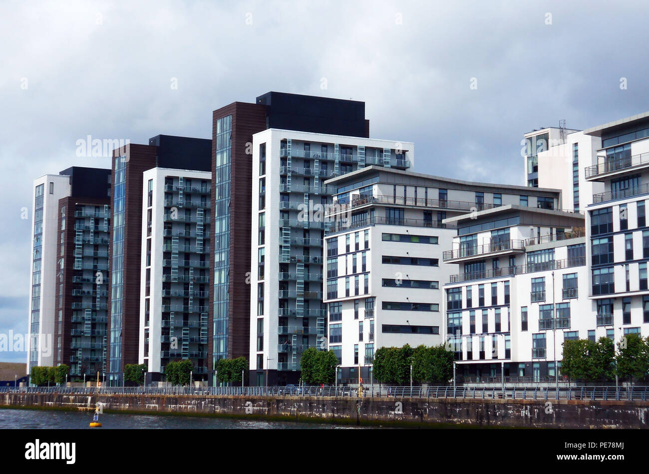 Flats Apartments Houses Glasgow High Resolution Stock Photography And Images Alamy
