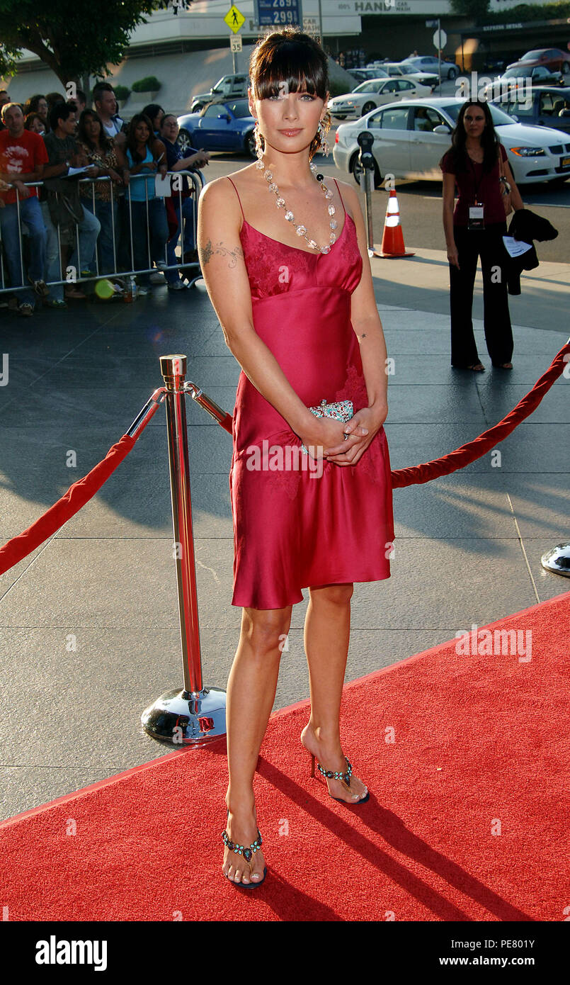 Lena Heady arriving at the Brothers Grimm Premiere at the Director Guild Theatre in Los Angeles. August 8, 2005.HeadyLena001 Red Carpet Event, Vertical, USA, Film Industry, Celebrities,  Photography, Bestof, Arts Culture and Entertainment, Topix Celebrities fashion /  Vertical, Best of, Event in Hollywood Life - California,  Red Carpet and backstage, USA, Film Industry, Celebrities,  movie celebrities, TV celebrities, Music celebrities, Photography, Bestof, Arts Culture and Entertainment,  Topix, vertical, one person,, from the year , 2005, inquiry tsuni@Gamma-USA.com Fashion - Full Length - Stock Image
