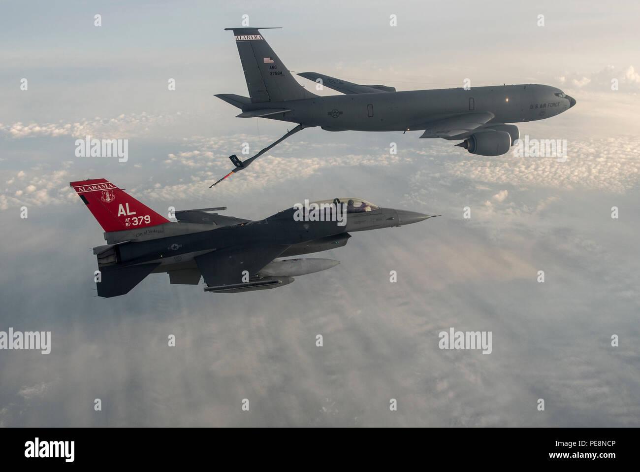 Alabama Air National Guard F-16 Fighting Falcons refuel