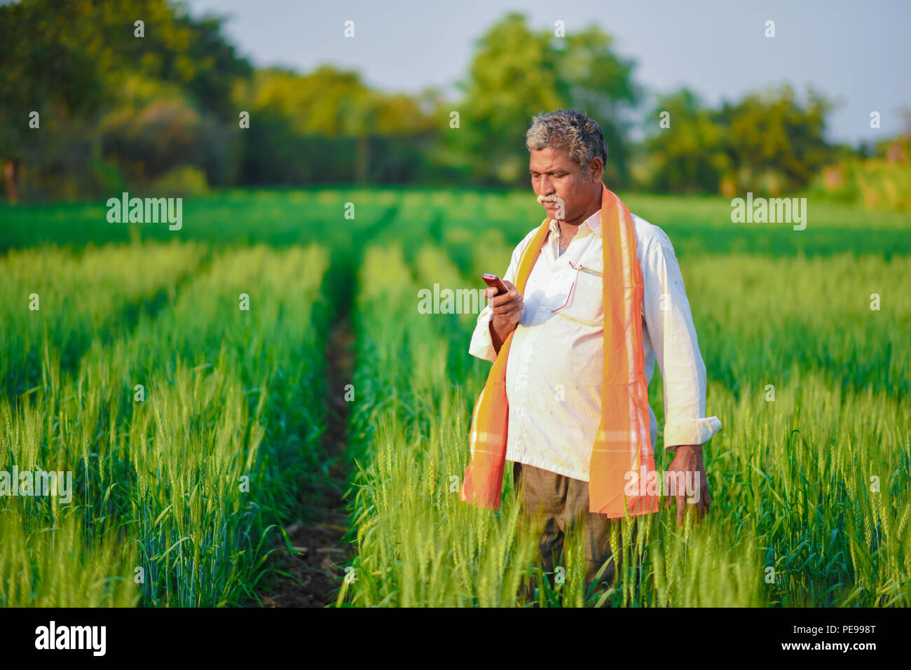Farmers India With Technology Stock Photos & Farmers India