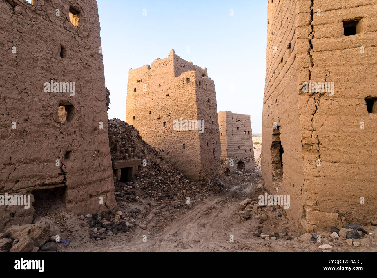 Ruined multi-storey buildings made of mud in the district of Marib, Yemen - Stock Image