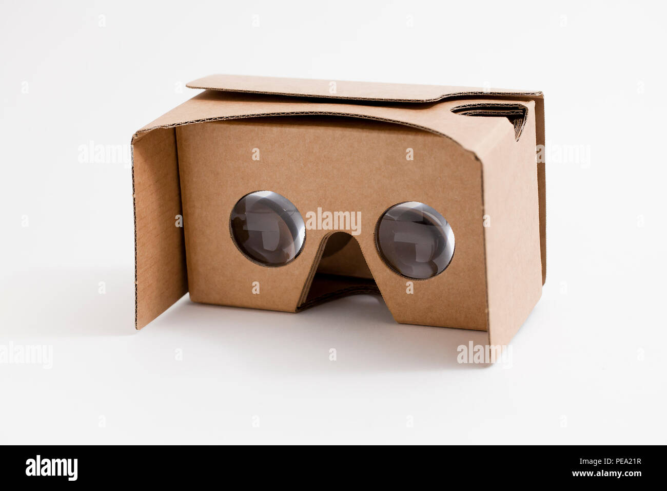 59415c2911d8 Google Cardboard Stock Photos   Google Cardboard Stock Images - Alamy