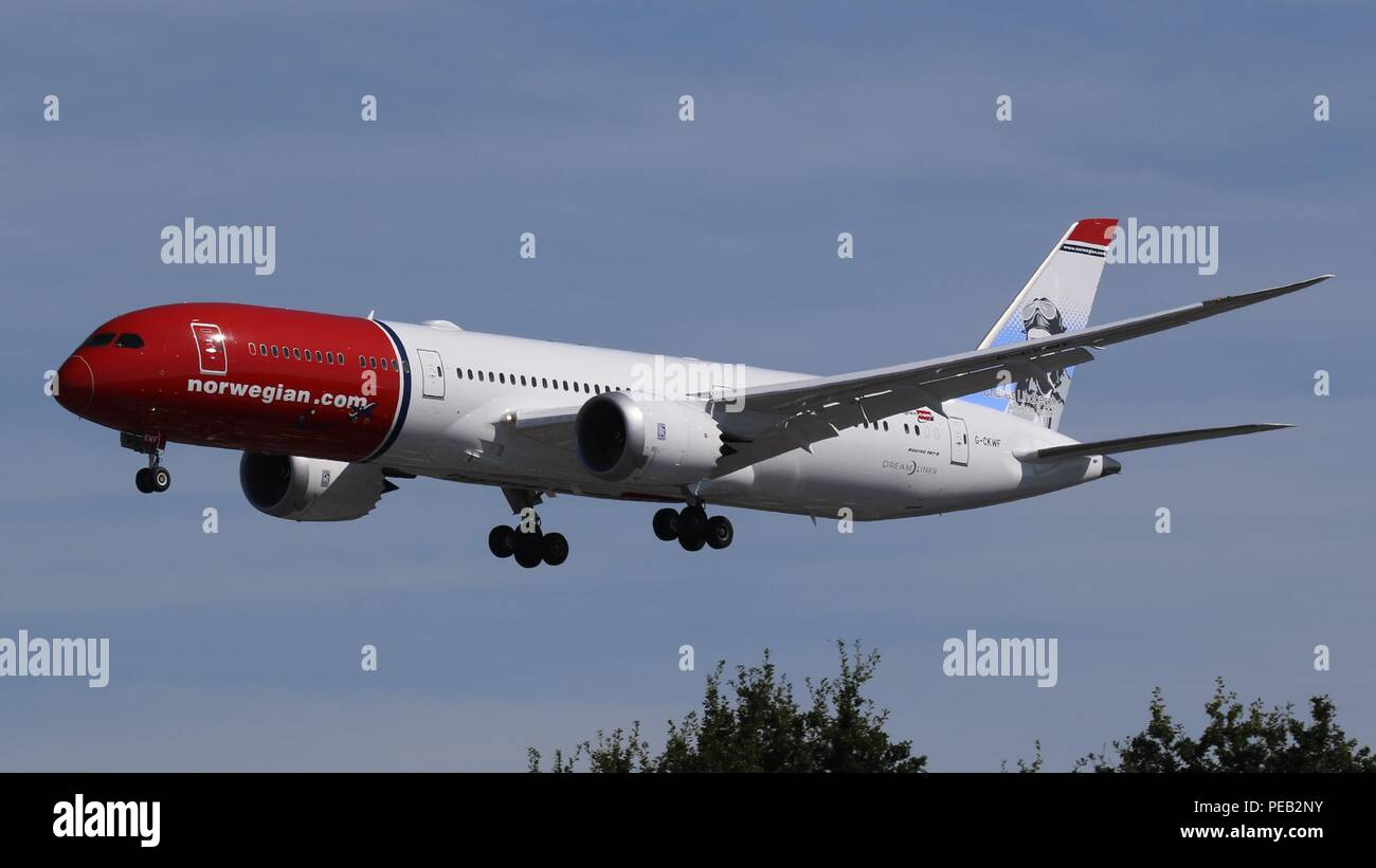 Norwegian Airlines B787-9 G-CKWF on short finals for runway 26L at London Gatwick, LGW EGKK on Saturday 11th August 201 - Stock Image