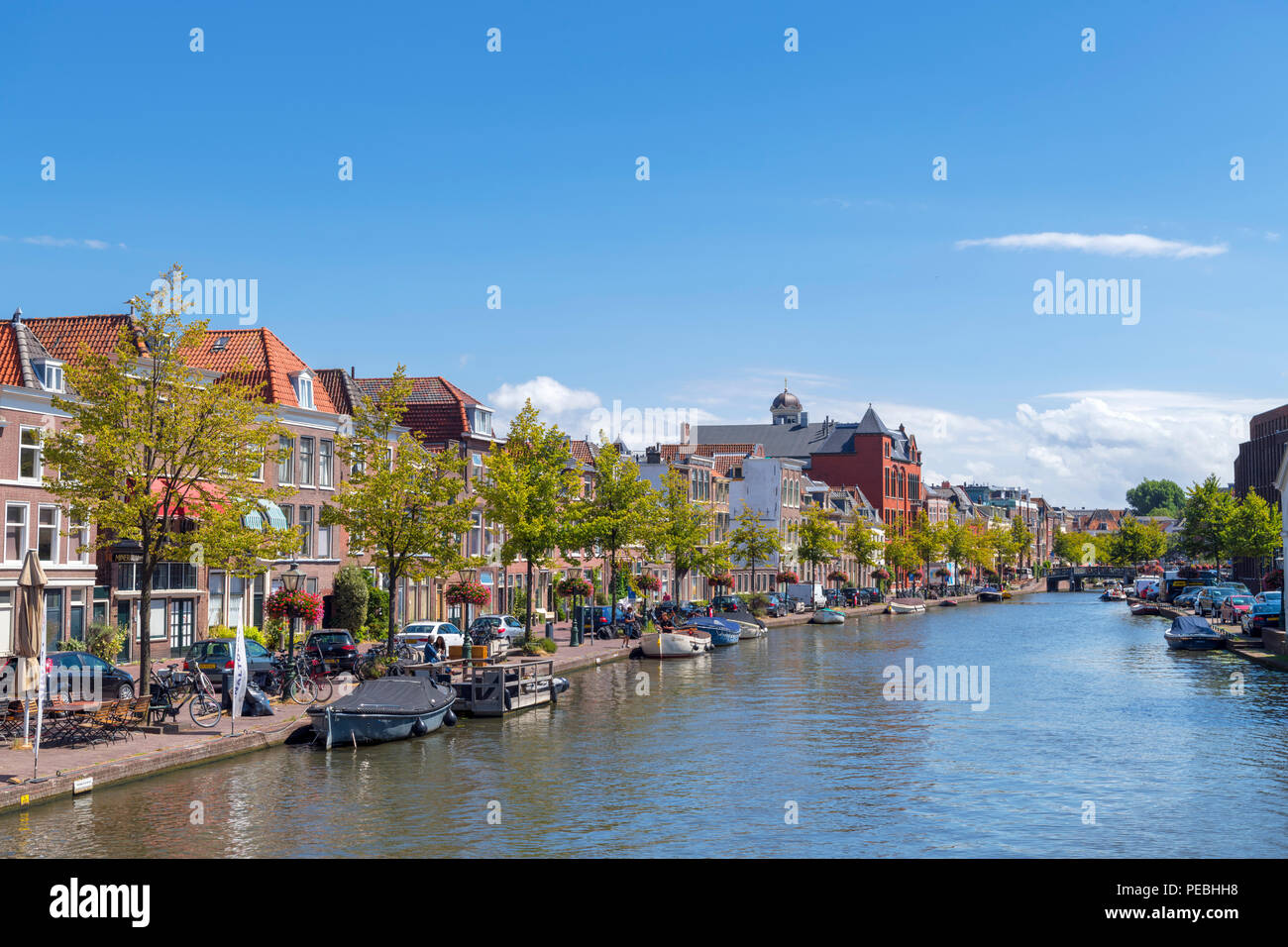 The Oude Rijn (Old Rhine) river in Leiden, Zuid-Holland (South Holland), Netherlands - Stock Image