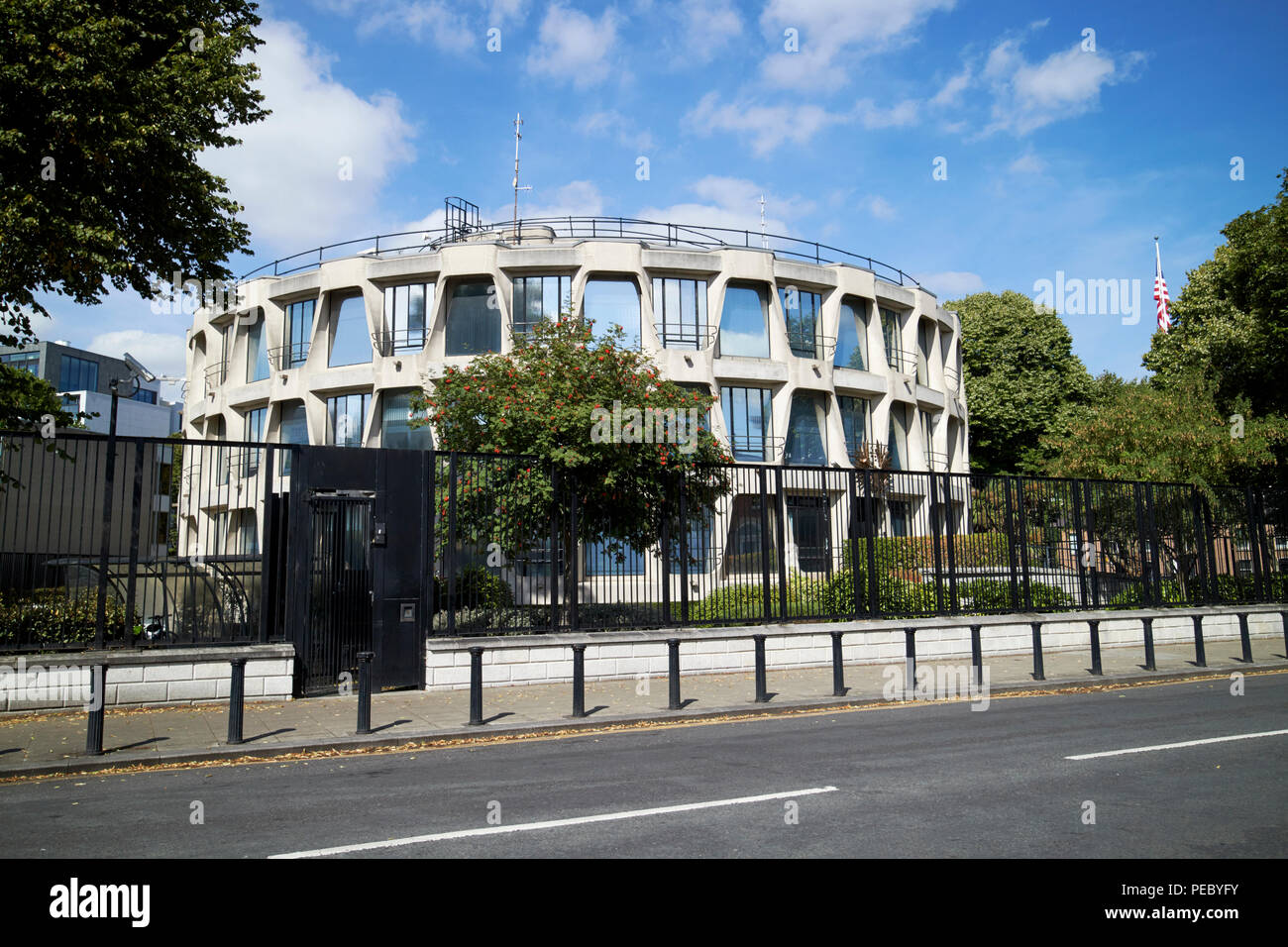 the us american embassy in dublin ireland - Stock Image