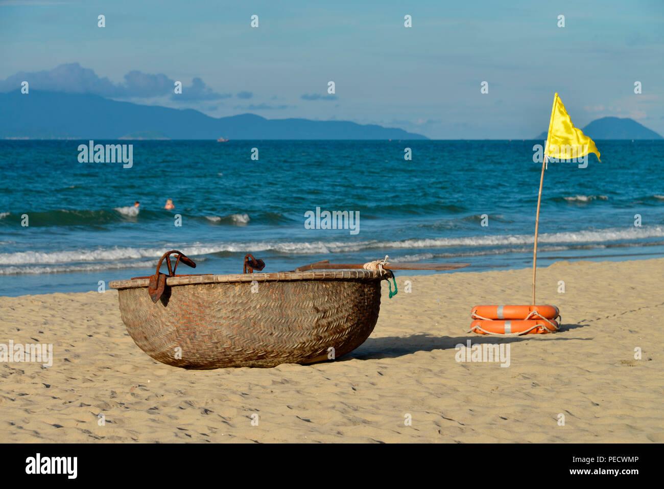 Fischerboot, Cua Dai Strand, Hoi An, Vietnam - Stock Image