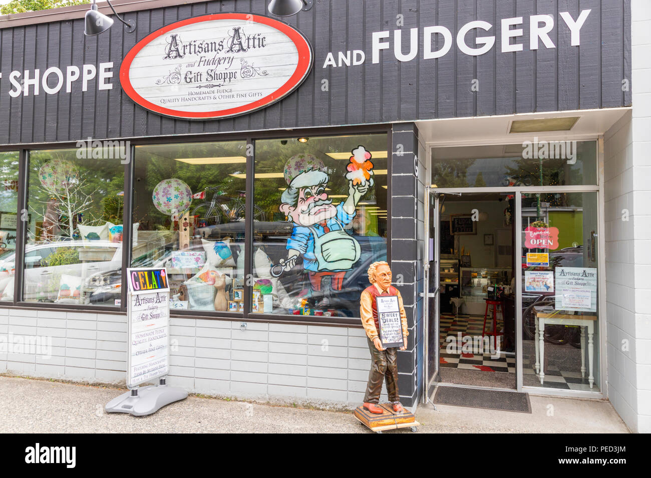 The Artisans Attic and Fudgery Gift Shoppe in the town of Hope, British Columbia, Canada - Stock Image