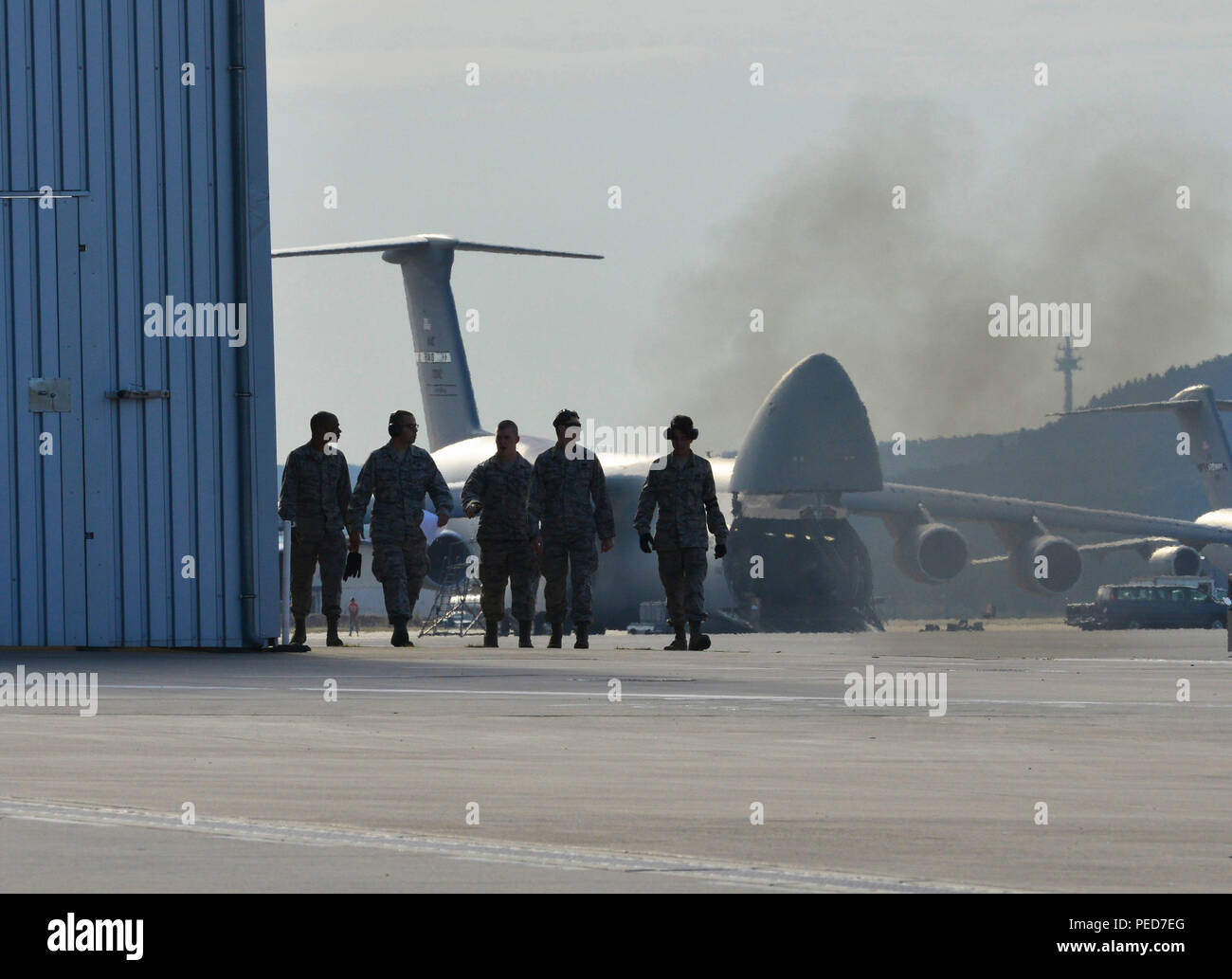 Flightline Rodeo Stock Photos Images Alamy Bundling 1 Navy M Members Of The 721st Aerial Port Squadron Fleet Services Team Leave After Completing