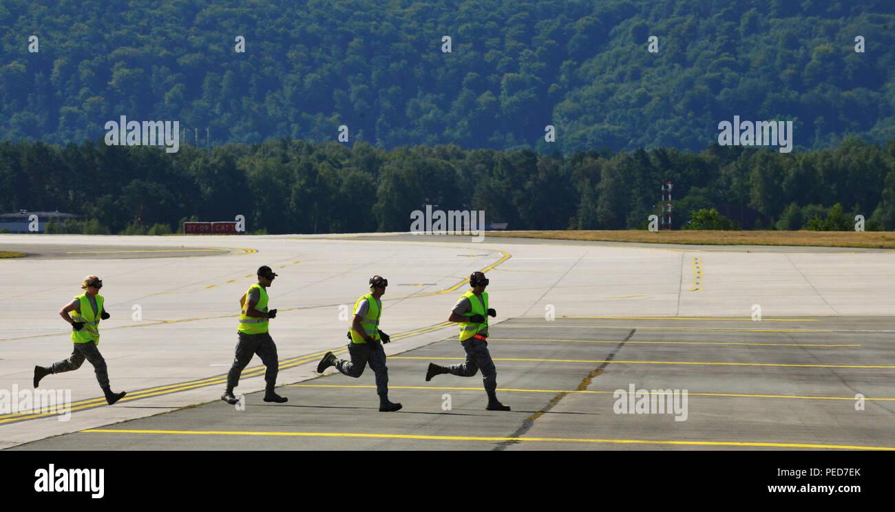 Flightline Rodeo Stock Photos Images Alamy Bundling 1 Navy M Airmen Run On The During 2015 Ramstein Air Base Aug