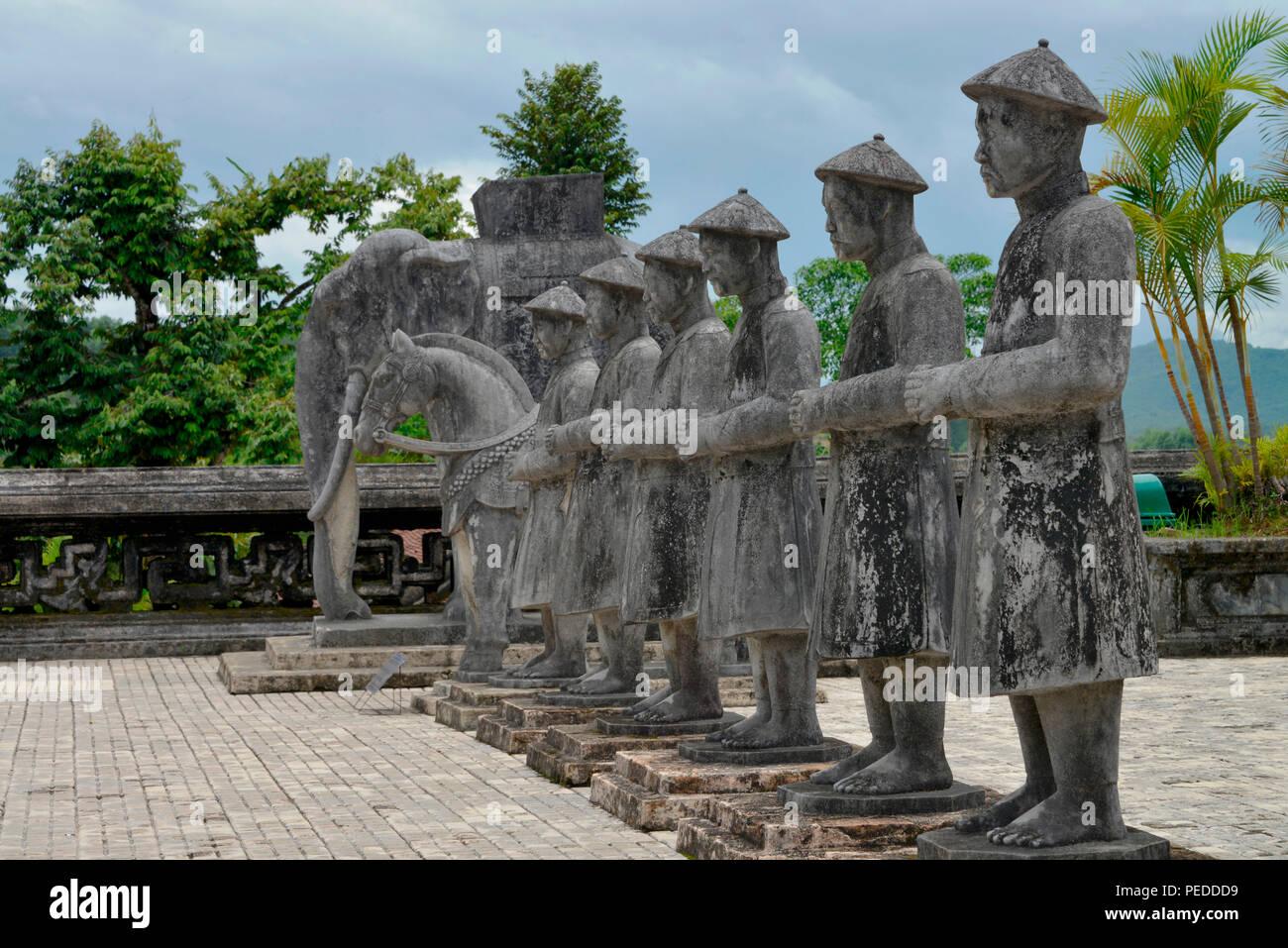 Betonfiguren, Kaisergrab Khai Dinh, Hue, Vietnam - Stock Image