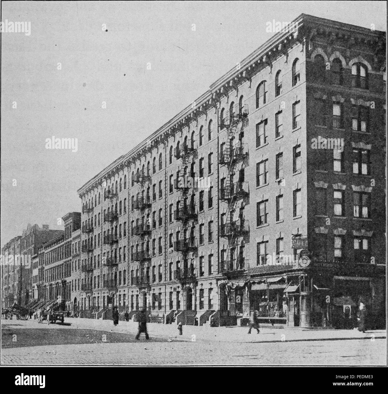 Engraving of a tenement building, New York City, New York, 1912. Courtesy Internet Archive. () - Stock Image
