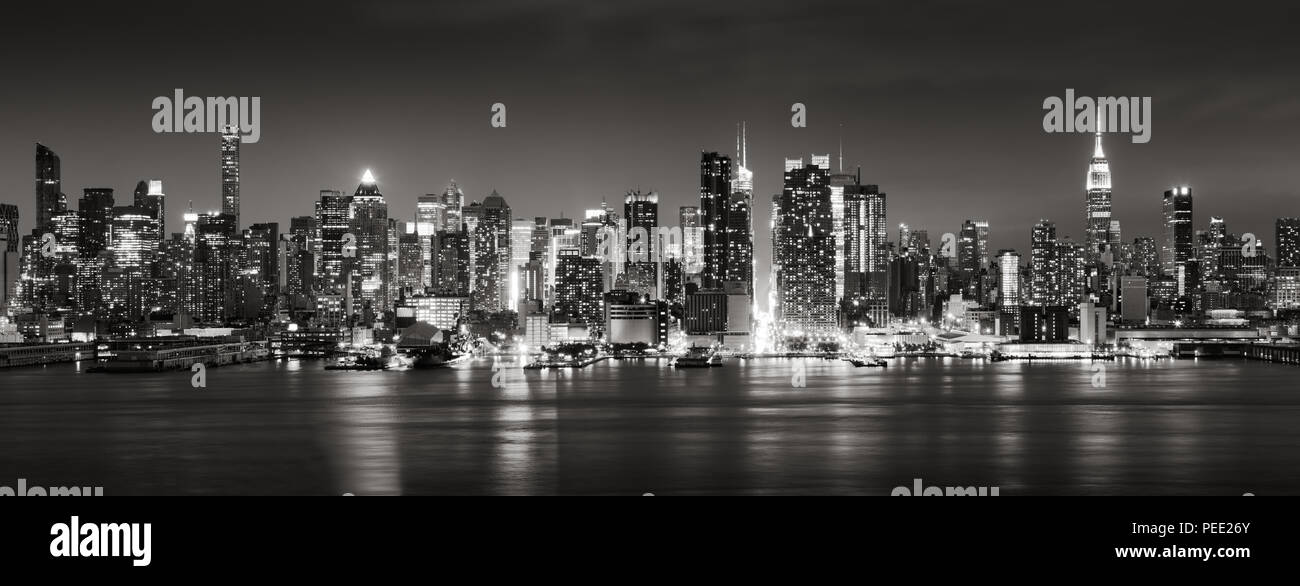 Panoramic Black & White view of Midtown West skyscrapers with the Hudson River. Manhattan, New York City Stock Photo