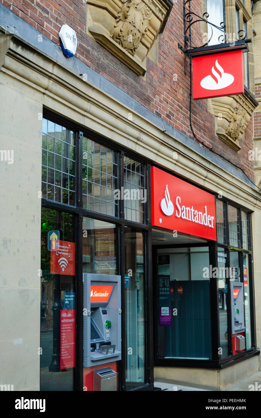 Chester, UK: Aug 6, 2018: A branch of Santander bank in Chester city centre. Santander is a wholly owned subsiduary of the Spanish Santander Group. - Stock Image